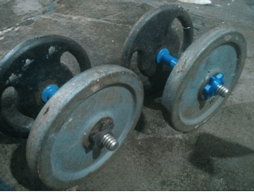 Star-Shaped Nut for Gripping Weights